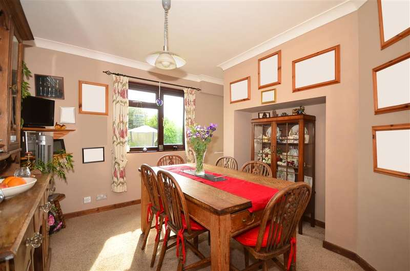 4 Bedrooms Semi Detached House for sale in Marsh Road, Ashford, Kent