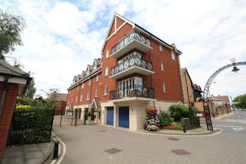 2 Bedrooms Apartment Flat for sale in Neptune Square, Ipswich Waterfront
