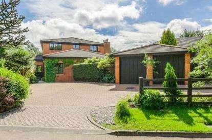 6 Bedrooms Detached House for sale in Lucy Lane, Loughton, Milton Keynes, Buckinghamshire