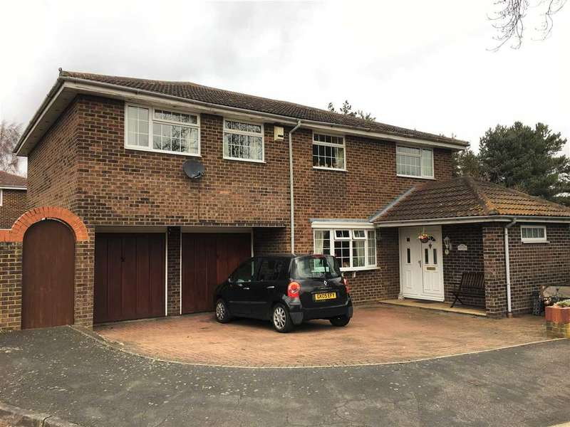 5 Bedrooms Detached House for sale in Tower Close, Bassingbourn