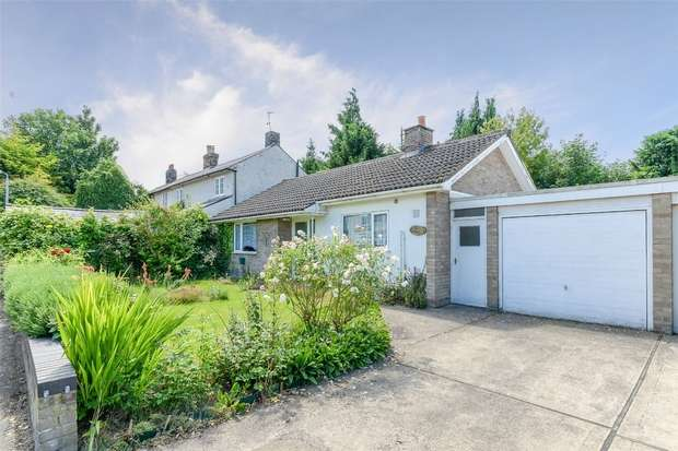 2 Bedrooms Detached Bungalow for sale in Mortlock Street, Melbourn, Royston, Cambridgeshire