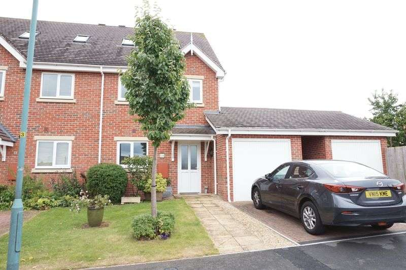 4 Bedrooms Semi Detached House for sale in Alms Close, Churchdown, Gloucester