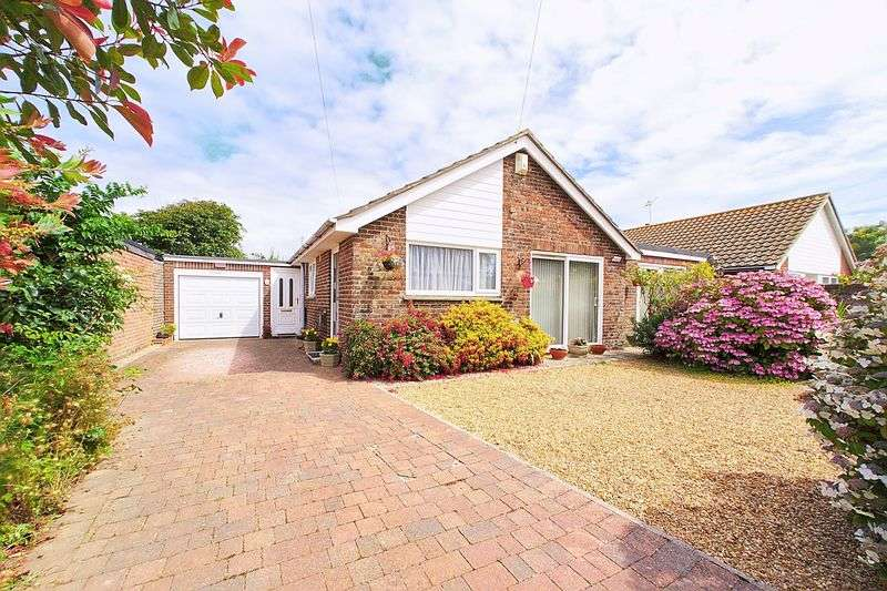 3 Bedrooms Detached Bungalow for sale in Green Lane, Selsey PO20