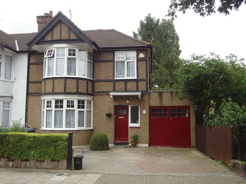 3 Bedrooms Detached House for sale in Becmead Avenue, Harrow