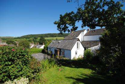 6 Bedrooms Semi Detached House for sale in Sidbury, Sidmouth, Devon
