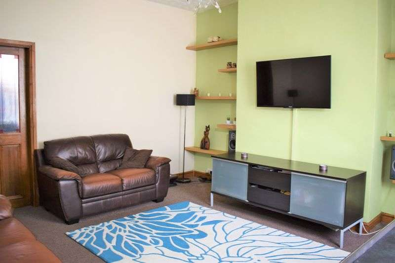 2 Bedrooms Terraced House for sale in Andrew Street, Middleton