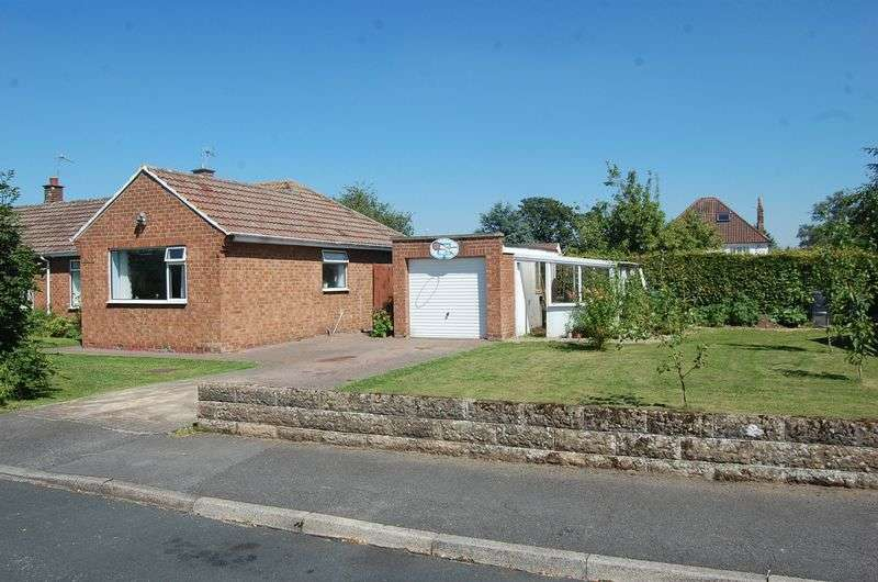3 Bedrooms Semi Detached Bungalow for sale in Newsham Way, Romanby, Northallerton
