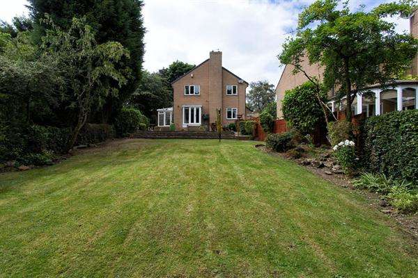4 Bedrooms Detached House for sale in Mill Hill Lane, Pontefract