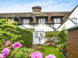 2 Bedrooms House for sale in Model Cottage, Slines Oak Road, Woldingham, Caterham