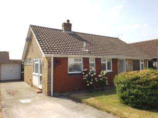 2 Bedrooms Bungalow for sale in Greenacres Ring, Angmering, Littlehampton