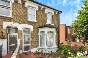 2 Bedrooms Semi Detached House for sale in Thornford Road, Hither Green, Lewisham, London