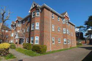 2 Bedrooms Flat for sale in Colville Court, 20 Selwyn Road, Eastbourne, East Sussex