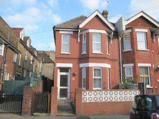 3 Bedrooms End Of Terrace House for sale in Langney Road, Eastbourne, East Sussex