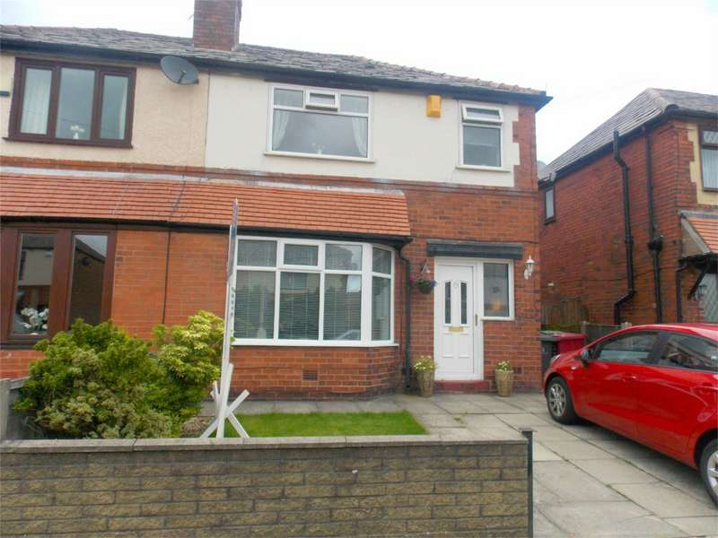 3 Bedrooms Detached House for sale in Tenby Avenue, Heaton, Bolton, Lancashire