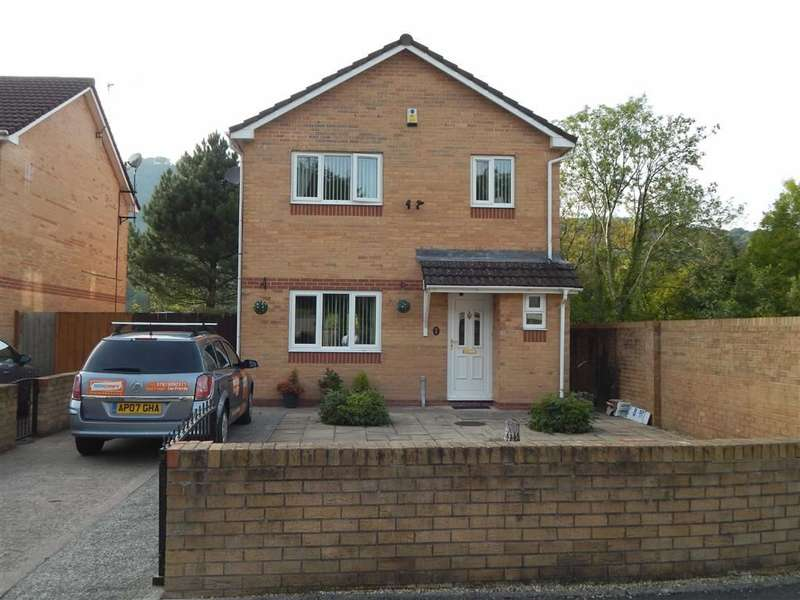 4 Bedrooms Property for sale in River Court, Abercynon, Rhondda Cynon Taff