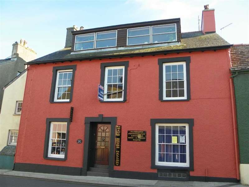 6 Bedrooms Semi Detached House for sale in Main Street, Fishguard