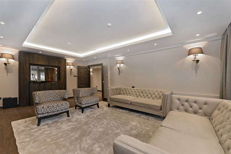 3 Bedrooms Flat for sale in Lyndhurst Court, London, NW8