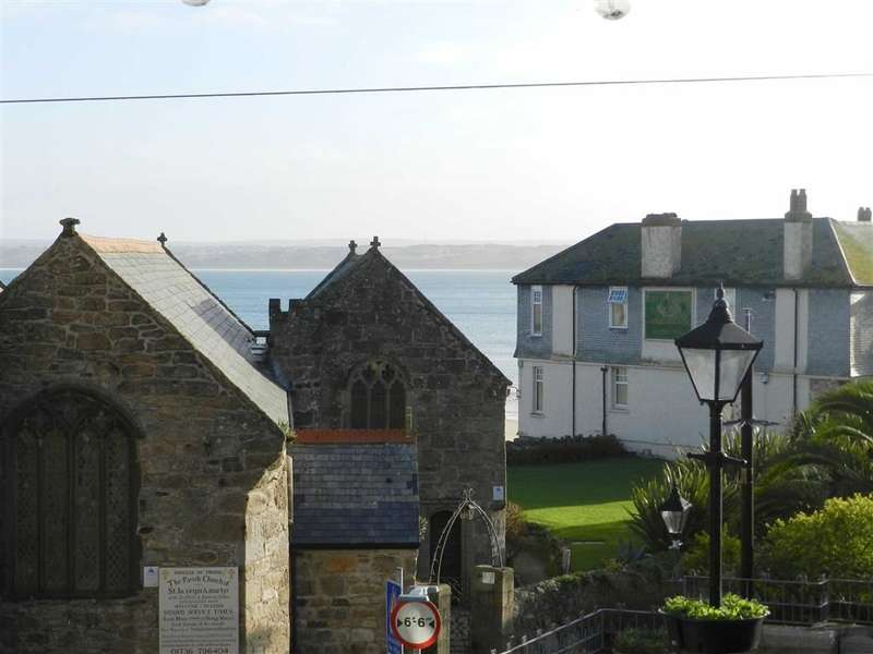 2 Bedrooms Flat for sale in St Eia House, Market Place, St Ives