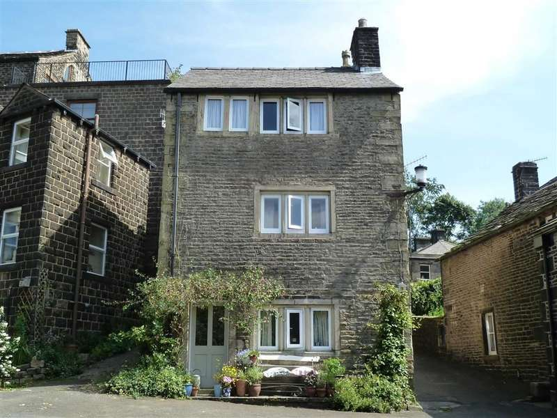 3 Bedrooms Property for sale in Church Fields, Dobcross, SADDLEWORTH, OL3
