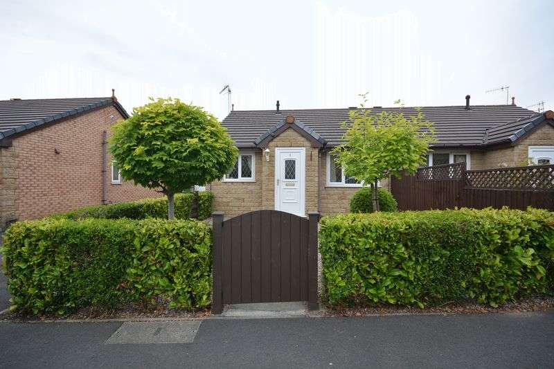 2 Bedrooms Semi Detached Bungalow for sale in Peters Row, Rishton