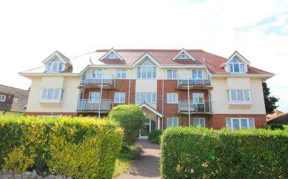 2 Bedrooms Flat for sale in 21 Stourwood Avenue, Bournemouth, Dorset