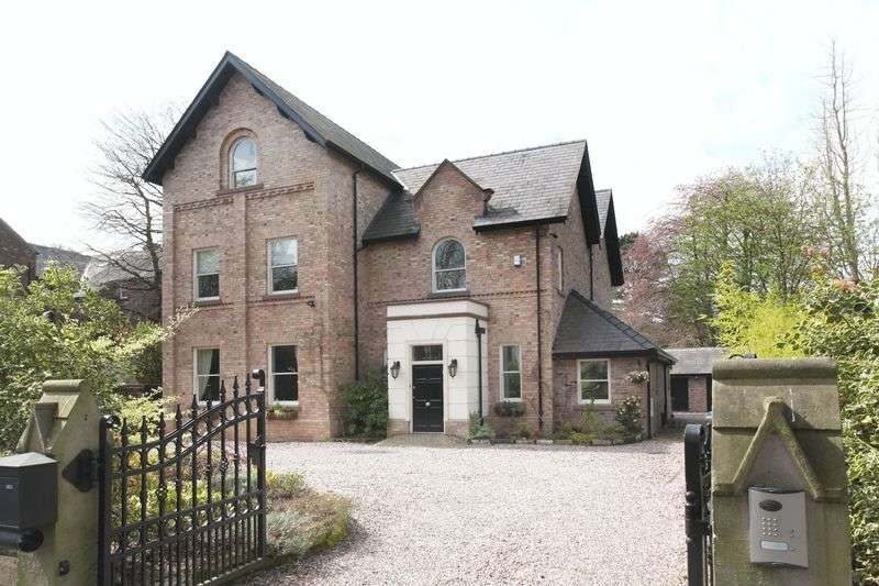 5 Bedrooms Detached House for sale in Enville Road, Bowdon