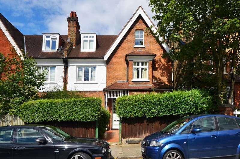 2 Bedrooms Flat for sale in Glenluce Road, Blackheath, SE3
