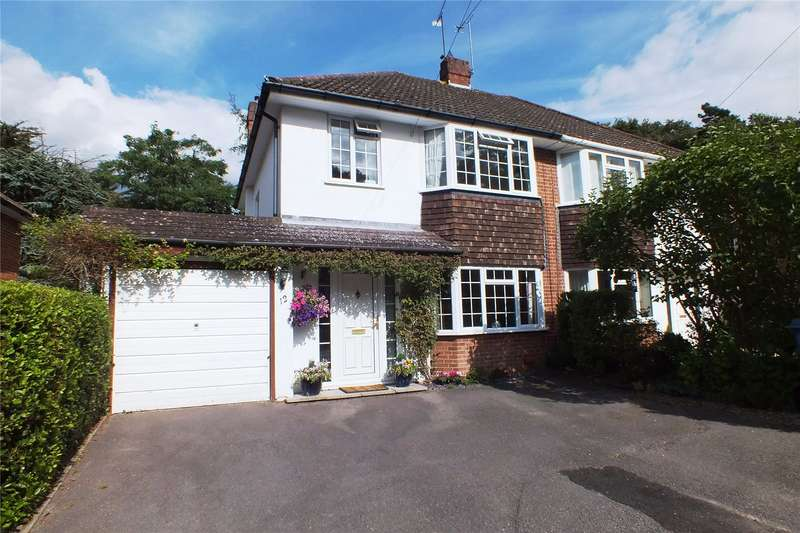 3 Bedrooms Semi Detached House for sale in Ferndale Road, Church Crookham, Fleet, GU52