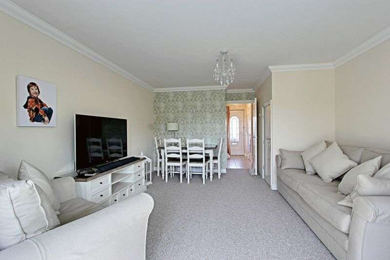 3 Bedrooms Terraced House for sale in Buttermere Close, Hull