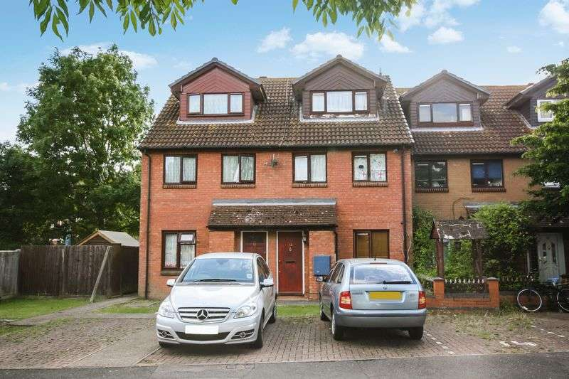 2 Bedrooms Flat for sale in Berrydale Road, Hayes