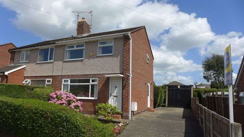 3 Bedrooms Semi Detached House for sale in Clarence Road, Wrexham