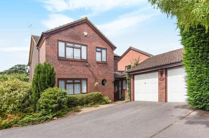 4 Bedrooms Detached House for sale in Beech Lane, Earley