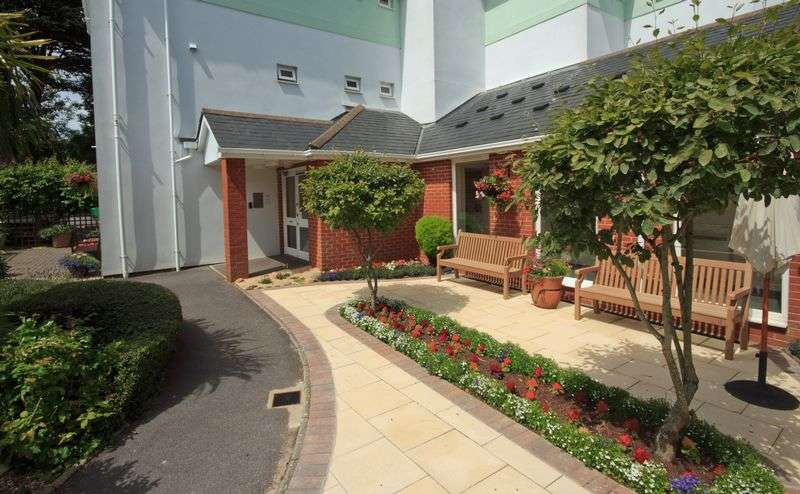 2 Bedrooms Retirement Property for sale in Charlwood Court, Torquay, TQ1 4QT