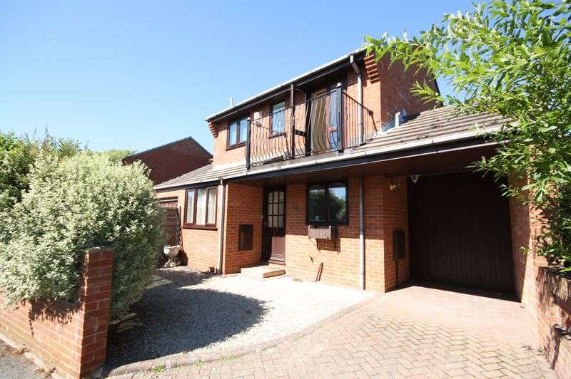 3 Bedrooms House for sale in Queens Avenue, Christchurch