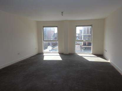 3 Bedrooms Flat for sale in Marsden House, Marsden Road, Bolton, Greater Manchester