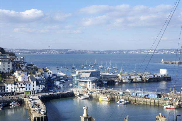 2 Bedrooms Terraced House for sale in North View Road, Brixham, Devon