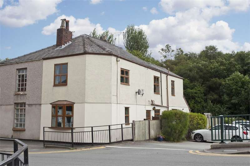 3 Bedrooms Cottage House for sale in Higher Green Lane, Astley Green Village, Tyldesley, Manchester, Lancashire