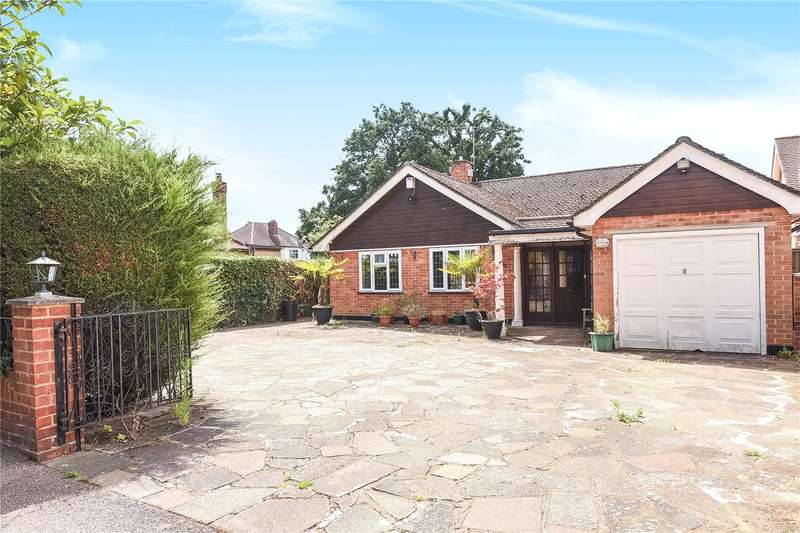 2 Bedrooms Bungalow for sale in Howletts Lane, Ruislip, Middlesex, HA4