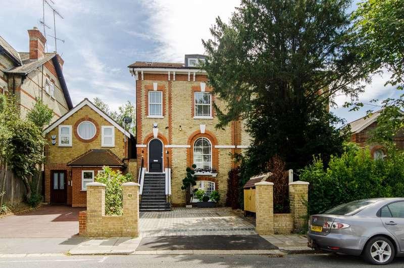 4 Bedrooms House for sale in Station Road, New Barnet, EN5