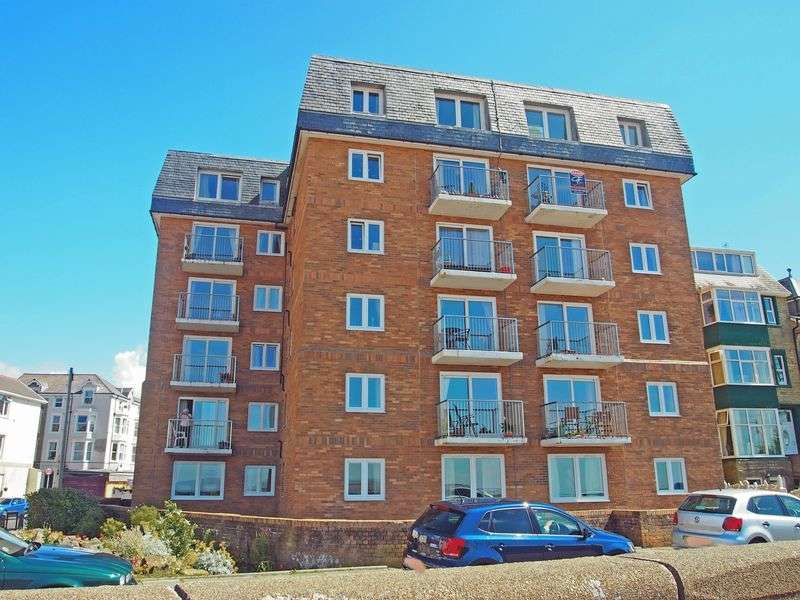 2 Bedrooms Flat for sale in Sefton Road, Morecambe