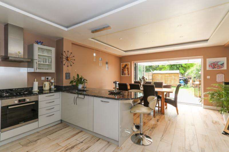 3 Bedrooms Terraced House for sale in Nelson Road, London, SW19