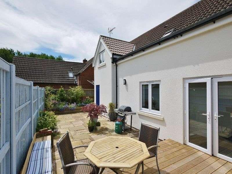 2 Bedrooms Detached House for sale in Olivers Court, Horsmonden