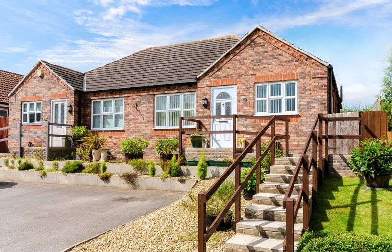 2 Bedrooms Semi Detached Bungalow for sale in Baggaley Drive, Horncastle