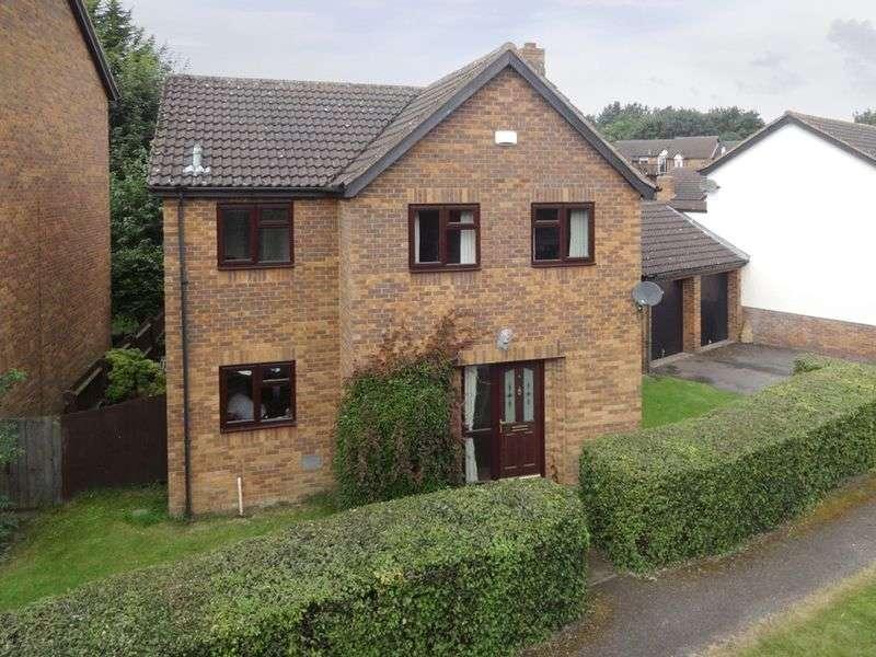 4 Bedrooms Detached House for sale in Constantine Way, Milton Keynes