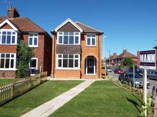 3 Bedrooms Detached House for sale in Hythe Road, Willesborough, Ashford, Kent