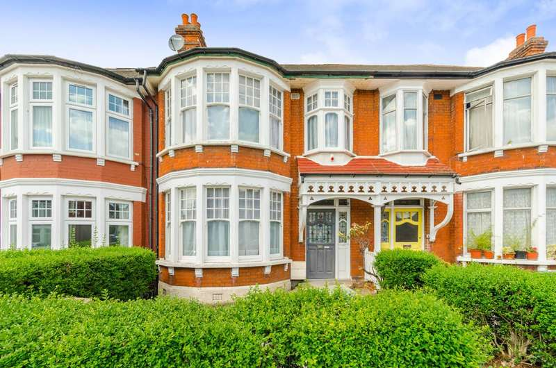 3 Bedrooms House for sale in Berkshire Gardens, Wood Green, N13