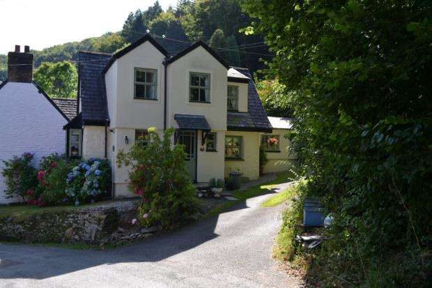 2 Bedrooms Semi Detached House for sale in Tregarland Bridge, Looe, Cornwall