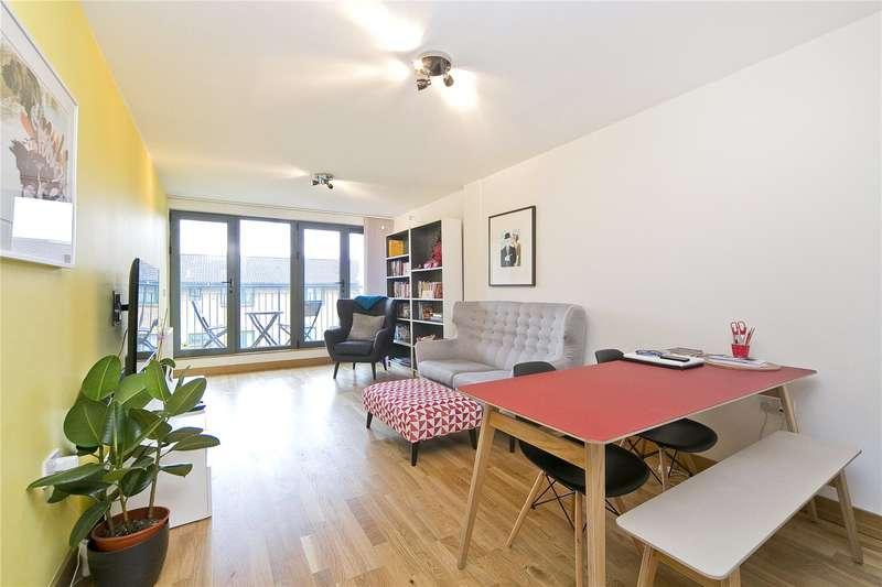 3 Bedrooms Flat for sale in Stean Street, Hackney, E8