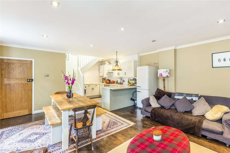 2 Bedrooms Semi Detached House for sale in St. Thomas's Place, Hackney, London, E9