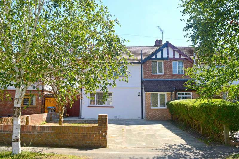 4 Bedrooms Semi Detached House for sale in Birch Avenue, Caterham, Surrey